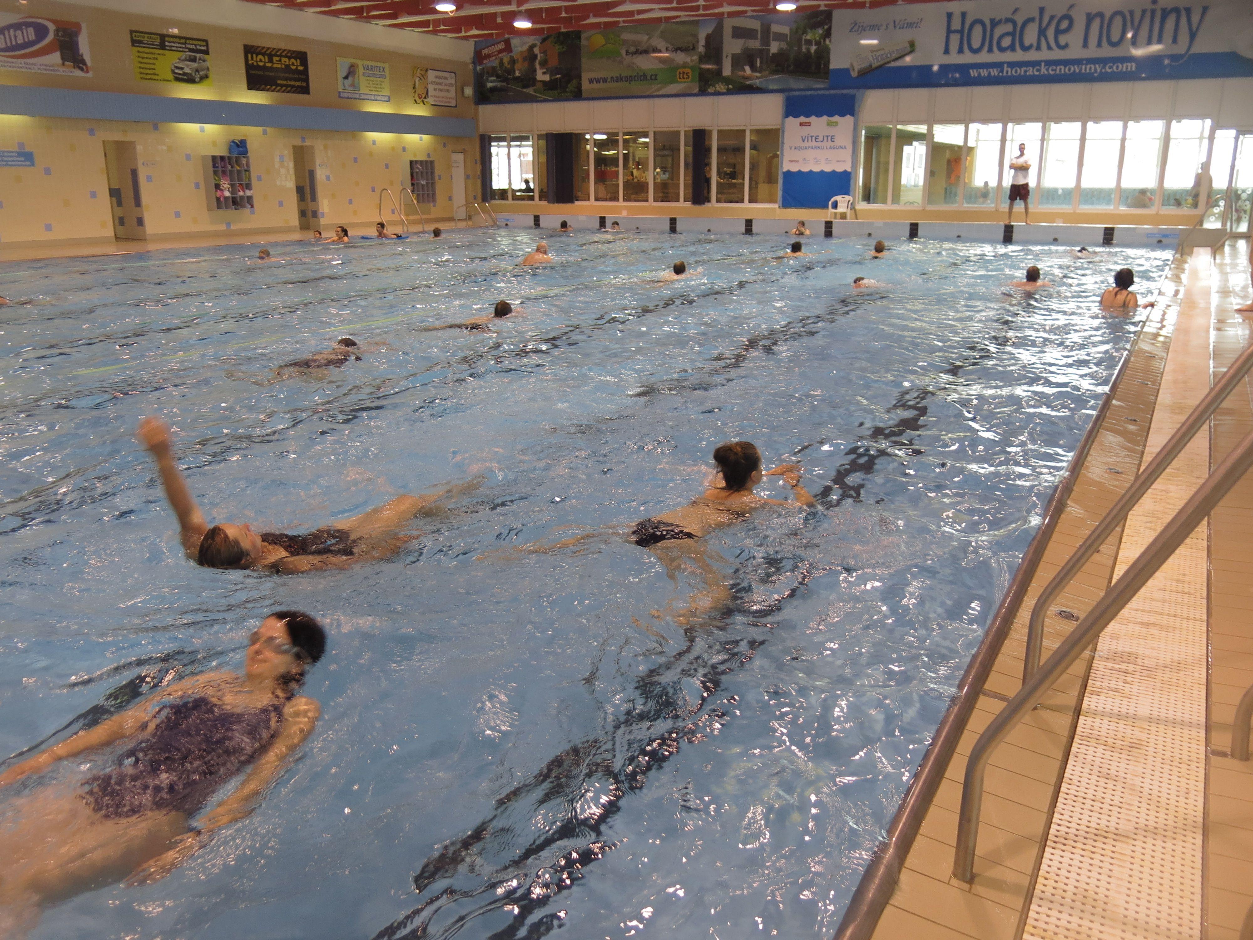 Plavání a záchrana - v Třebíčském bazénu